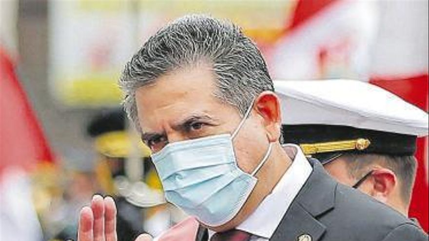 Perú destituye al presidente Martín Vizcarra por recibir sobornos de una constructora