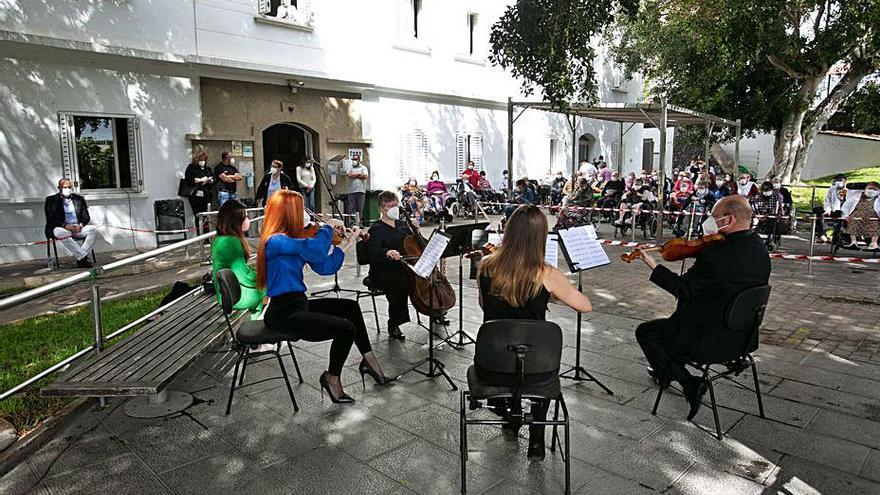 Un cuarteto de la Sinfónica ofrece  un concierto en el Febles Campos