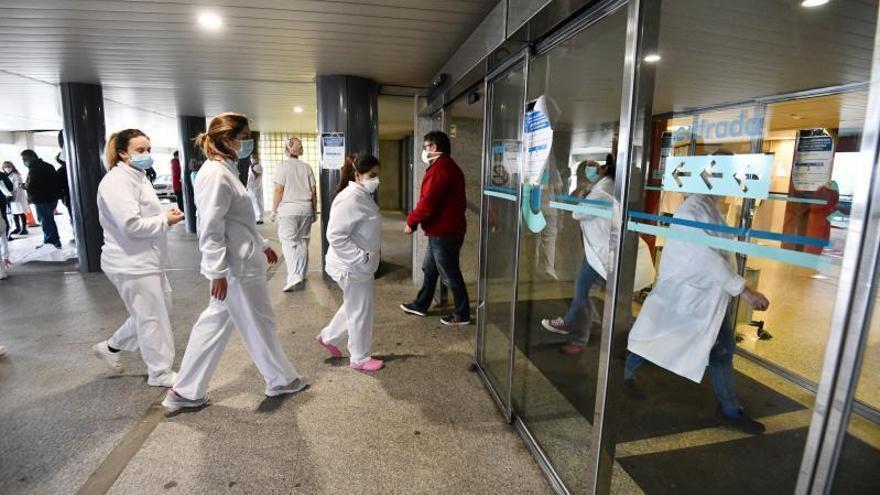 El Sergas se queda sin enfermeras en las listas para cubrir bajas y reforzar plantillas