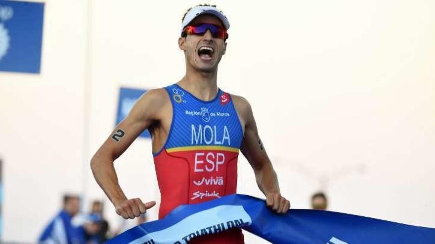 Gómez Noya y Mola encabezan el equipo español que competirá en Yokohama