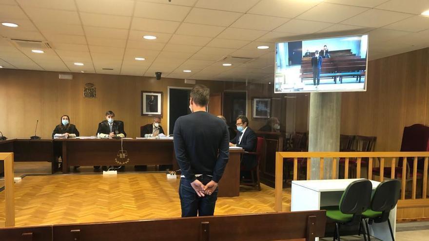Un año de cárcel para un lotero de Vigo por apropiarse de 36.000 euros