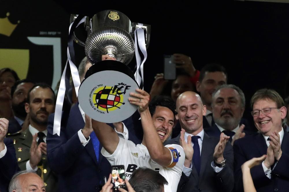 El Valencia y su afición celebran el título de la Copa del Rey