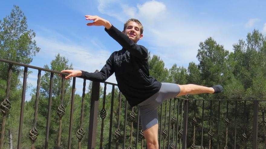 Com dansa a casa un alumne del Royal Ballet?