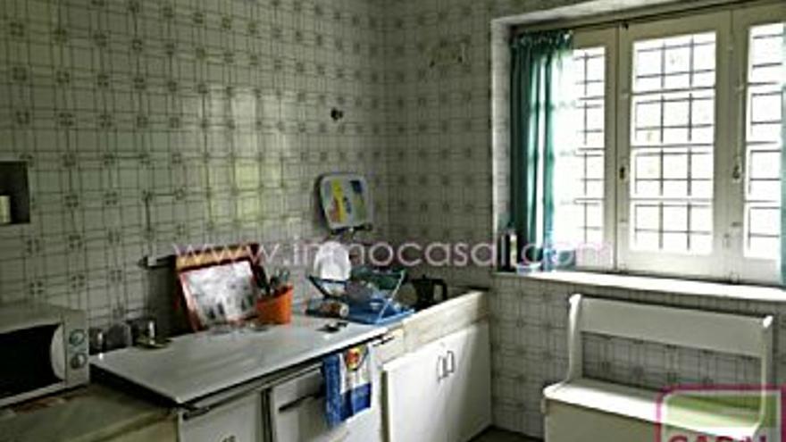 300.000 € Venta de casa en Moreda de Aller (Aller), 6 habitaciones, 1 baño...