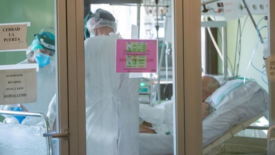 Sanidad notifica 328 muertes y 15.156 nuevos casos de Covid-19 el último día