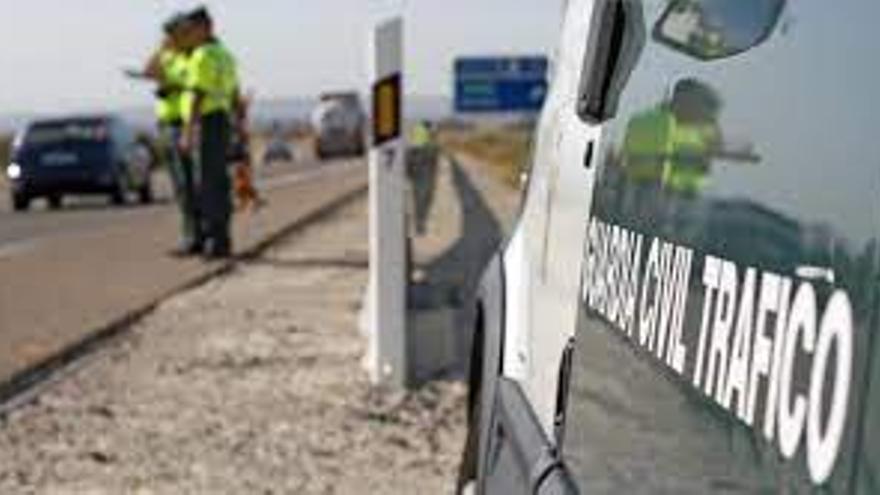Investigan a un conductor por provocar un accidente en Córdoba mientras circulaba ebrio y abandonar el lugar