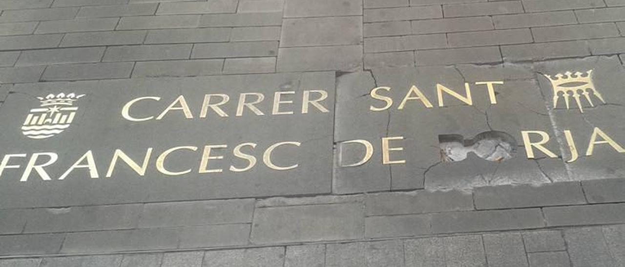 Gandia pierde letras de su callejero de lujo