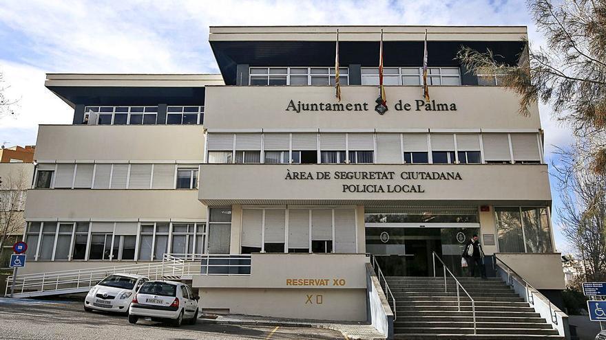 Los grupos 'burbuja' del GAP se unieron para celebrar la fiesta ilegal en la Policía Local de Palma