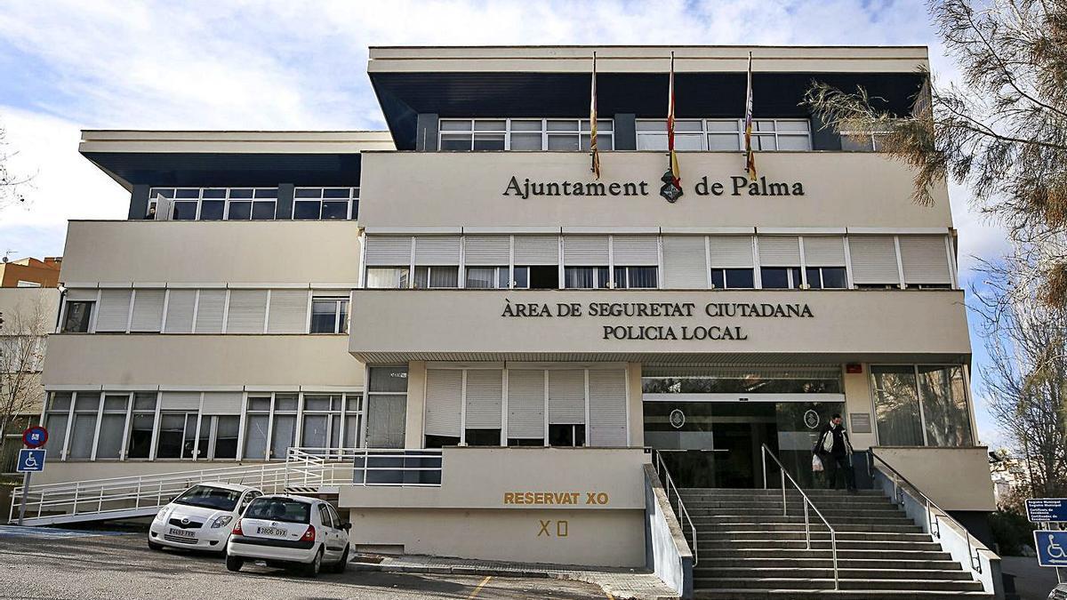 Cuartel de la Policía Local de Palma de Sant Ferran, donde tuvo lugar la fiesta ilegal.