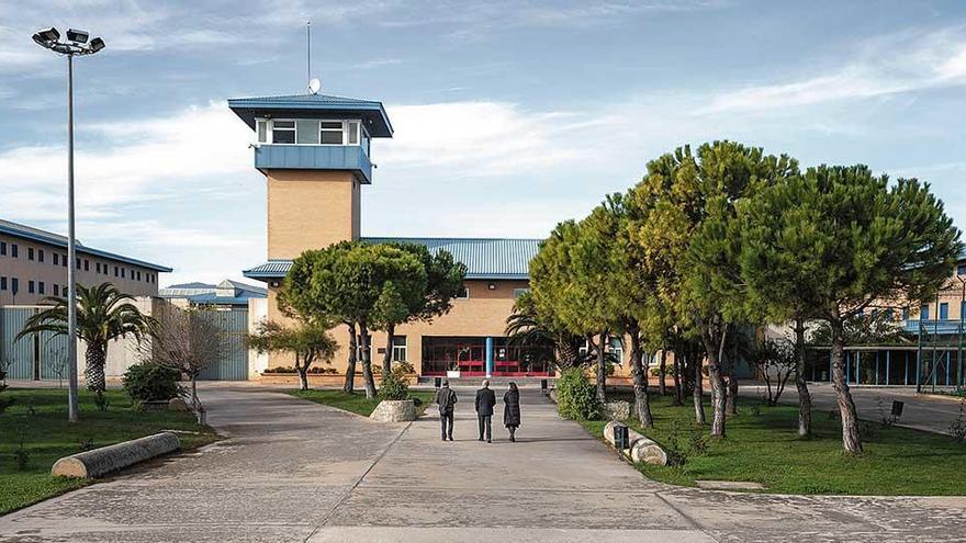 Gefängnisinsasse auf Mallorca erstickt an Fleischbällchen