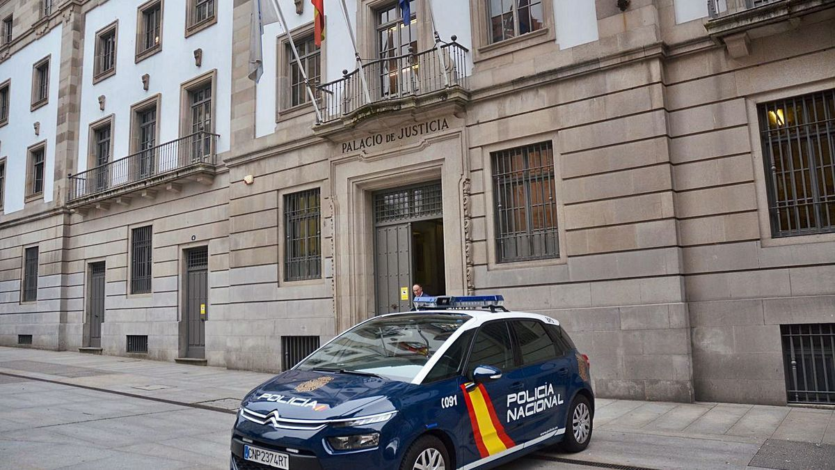 Audiencia Provincial de Pontevedra. |   // R.V.