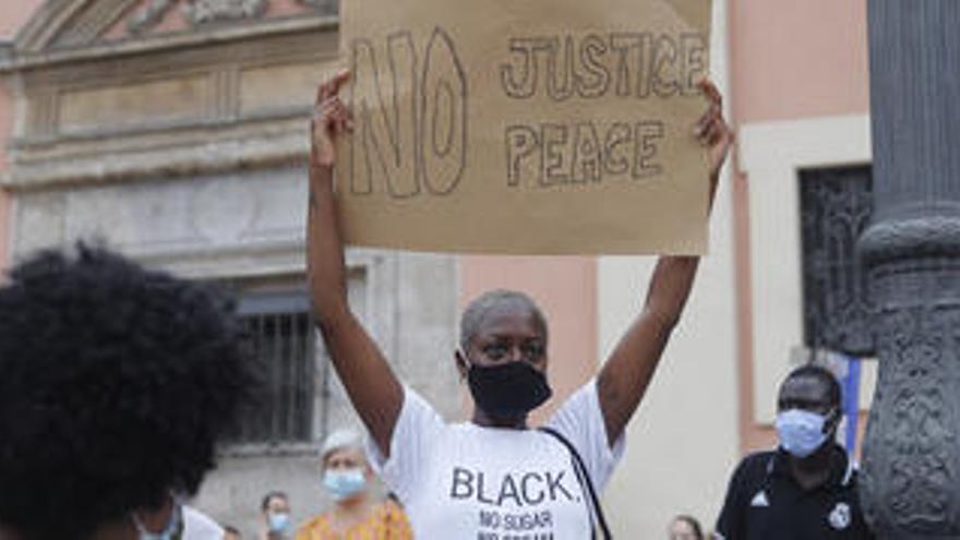 El racismo que vemos de lejos