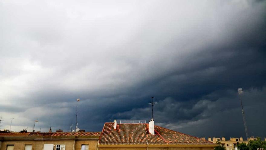 Alerta por lluvias y tormentas en parte de Aragón