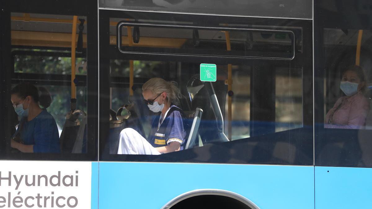 Vuelven los autobuses que enlazan La Manga con Murcia y Cartagena