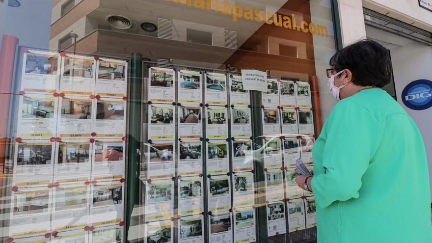 La compraventa de viviendas se dispara un 55% en agosto en la provincia