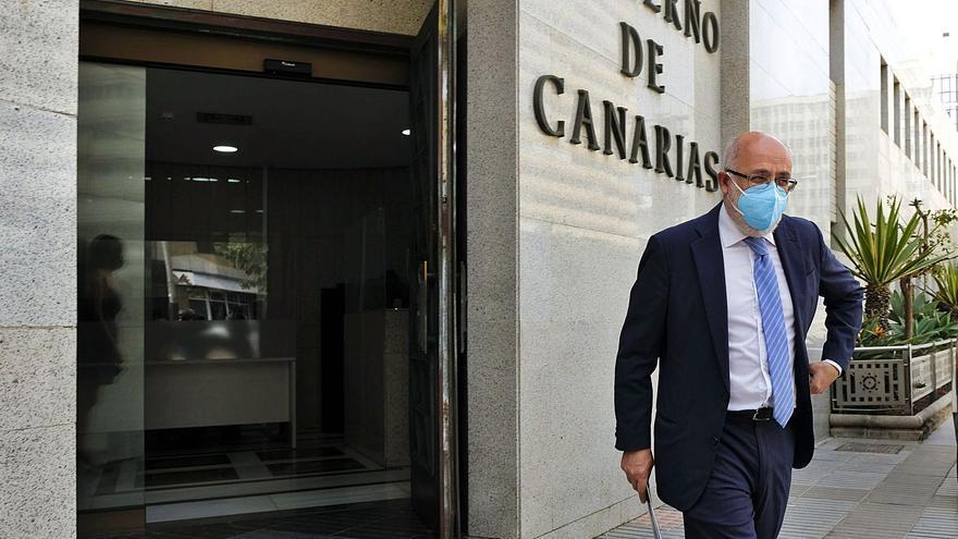 Gran Canaria pide extremar el control a los viajeros de la Península