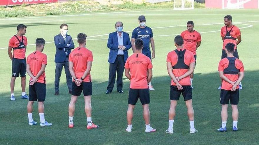 El Sevilla guarda luto