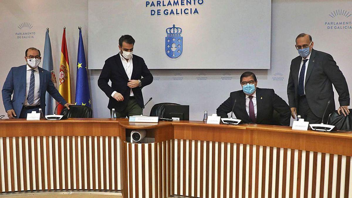 Los rectores de las tres universidades gallegas, en la comisión de reactivación del Parlamento.