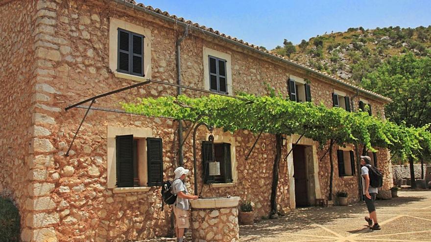 La covid resta 35.693 visitantes a los refugios de montaña