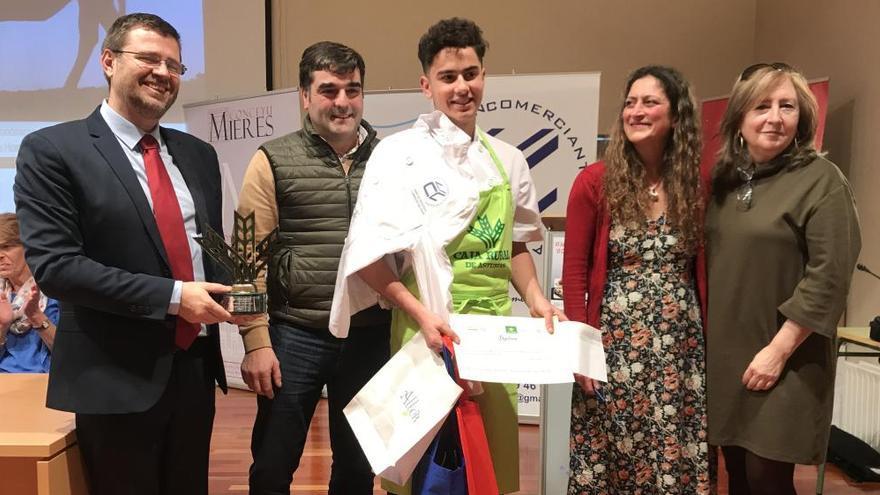El ibicenco José Luis Moreno se hace con el triunfo en el concurso gastronómico de xata roxa