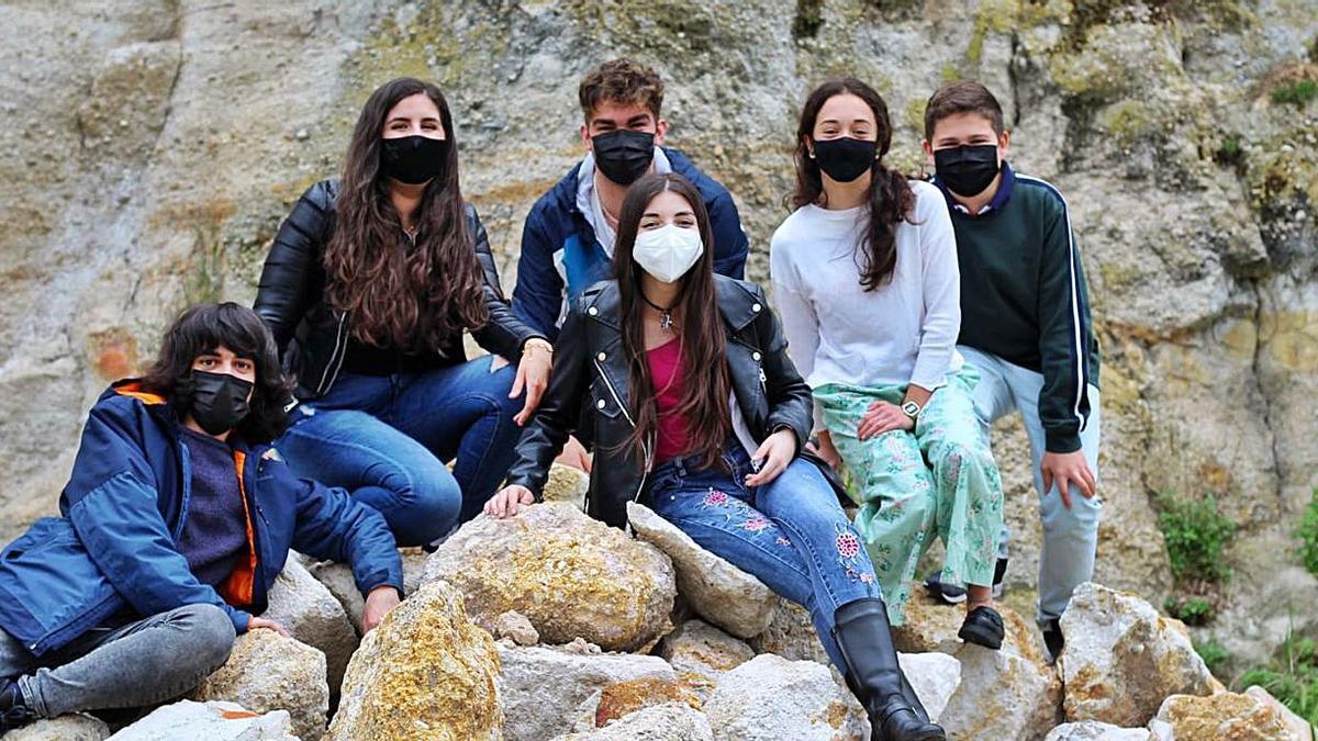 Los integrantes del grupo Zarandaja de este curso en el IES Poeta Claudio Rodríguez.