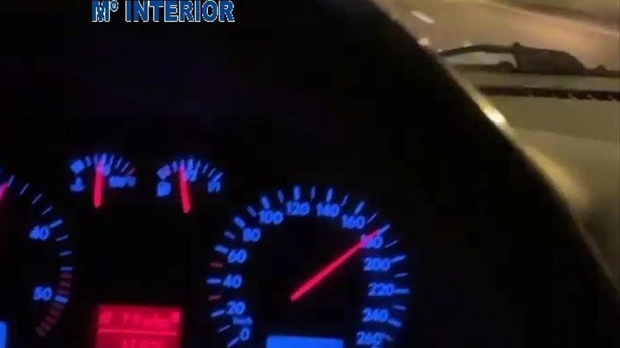 VÍDEO: Conduce a 180 por la Autovía en Villaviciosa y lo cuelga en las redes
