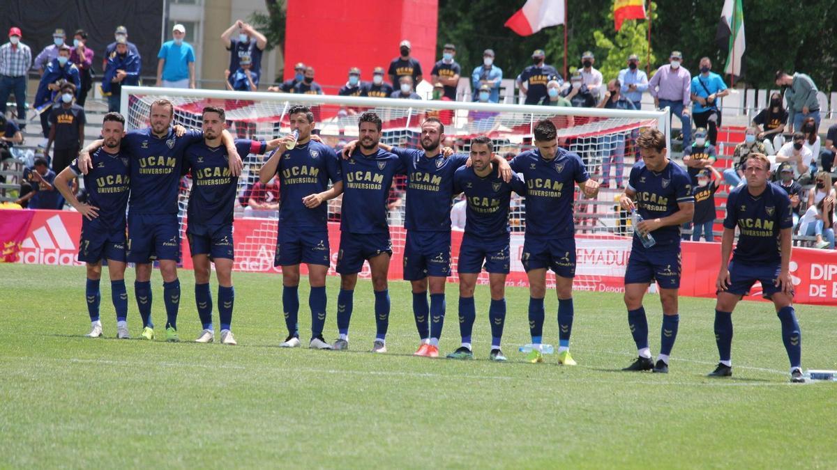 El UCAM Murcia, durante la tanda de penaltis frente al Barça B.