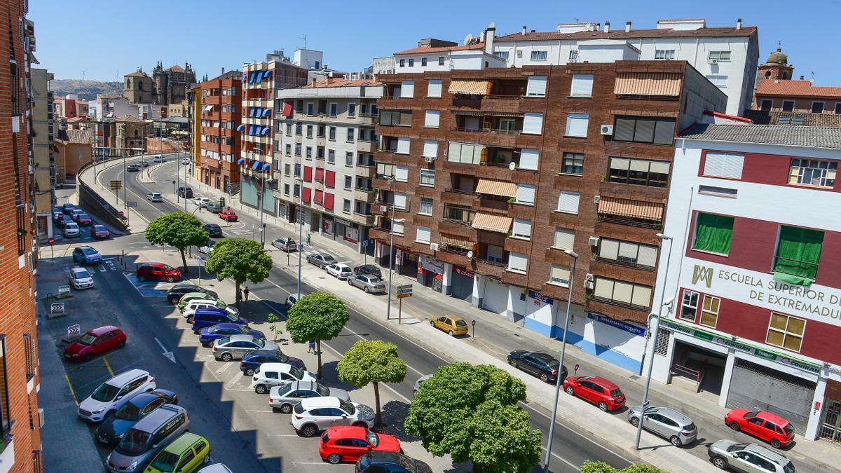 Avenida del Valle, una de las vías más costosas incluidas en el plan, cuyo cambio de luminarias supondrá 42.000 euros.