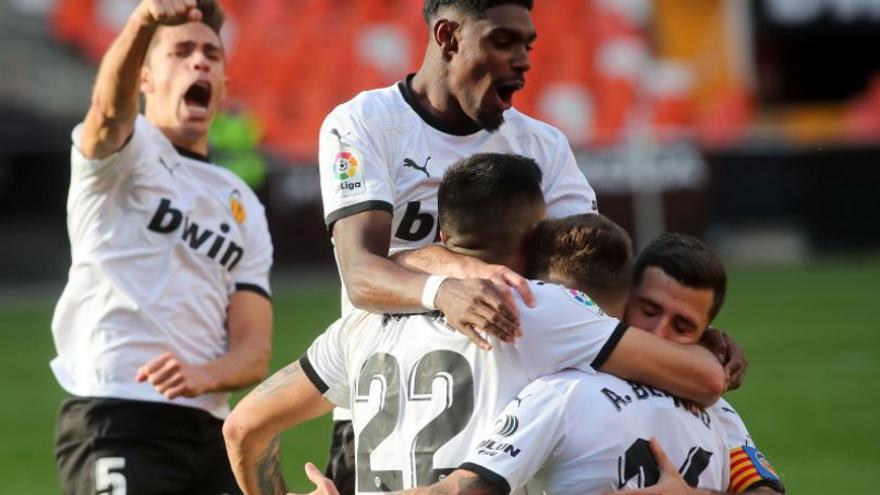 El Valencia recupera la autoridad (2-1)
