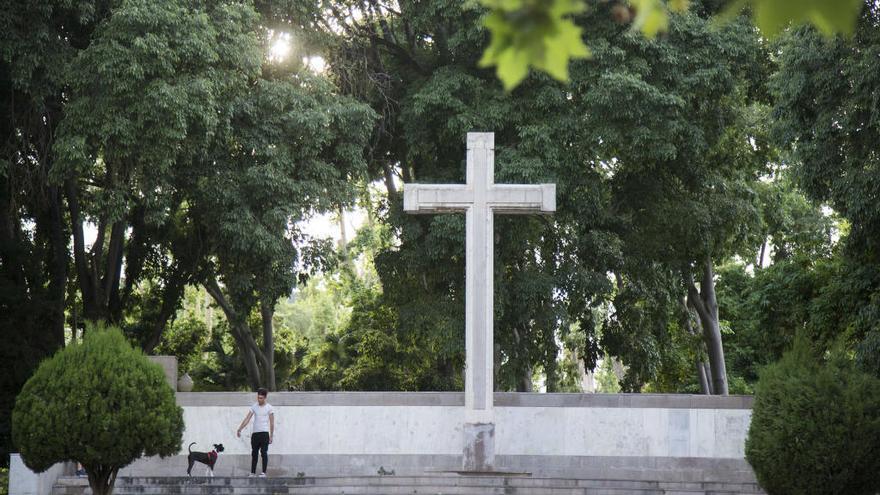 El Ministerio de Justicia insta a Castelló y Zucaina a retirar sus símbolos franquistas