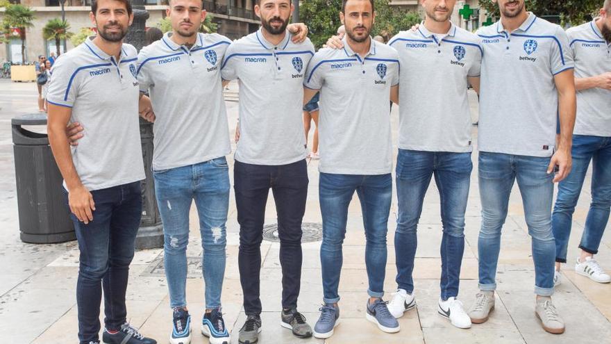 El Levante UD anuncia a los 6 capitanes para la próxima temporada