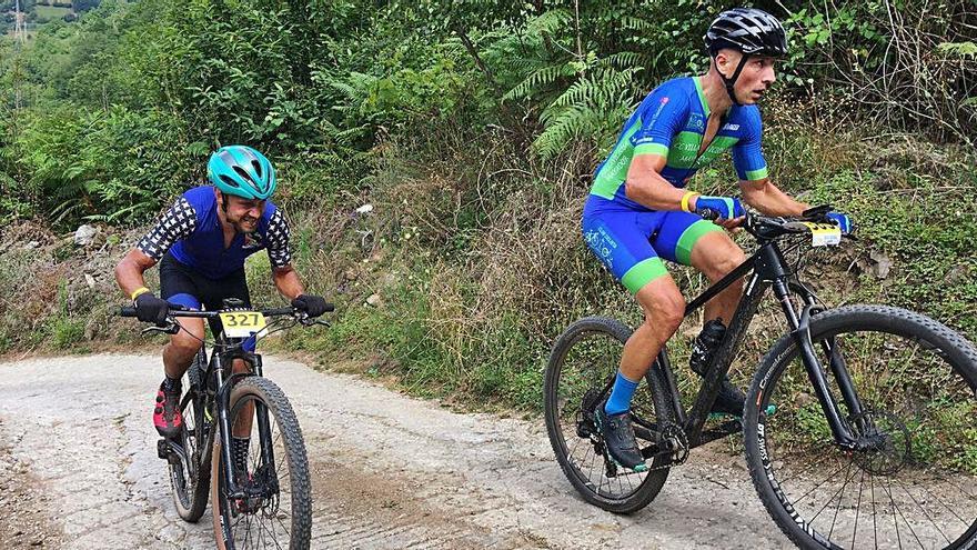 Laviana reunió a más de 130 deportistas en las pruebas de ciclismo de montaña