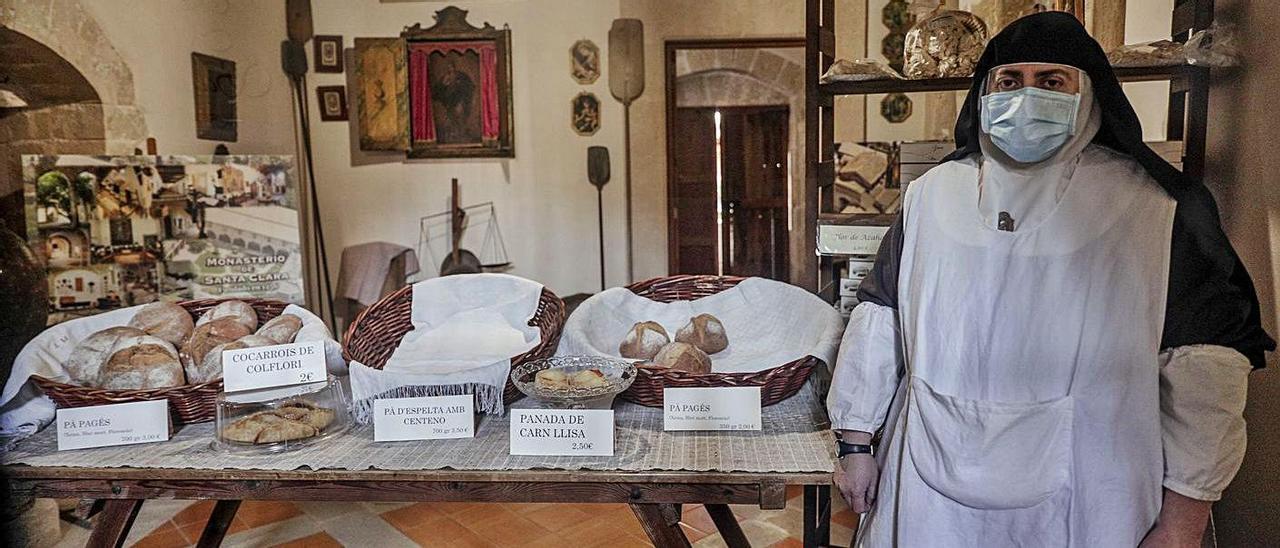 La tienda del convento se puede visitar de lunes a domingo.