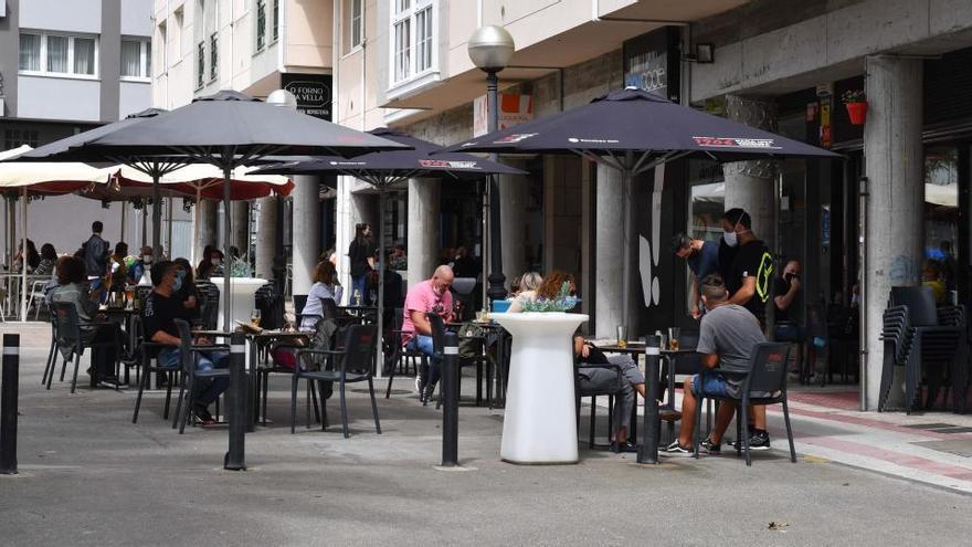 La Xunta se plantea flexibilizar las restricciones por Covid en el área de A Coruña la próxima semana