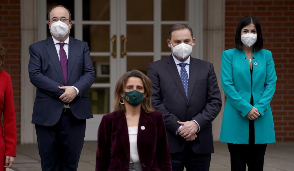 Sánchez preside la foto de familia y la primera reunión de su nuevo Gobierno