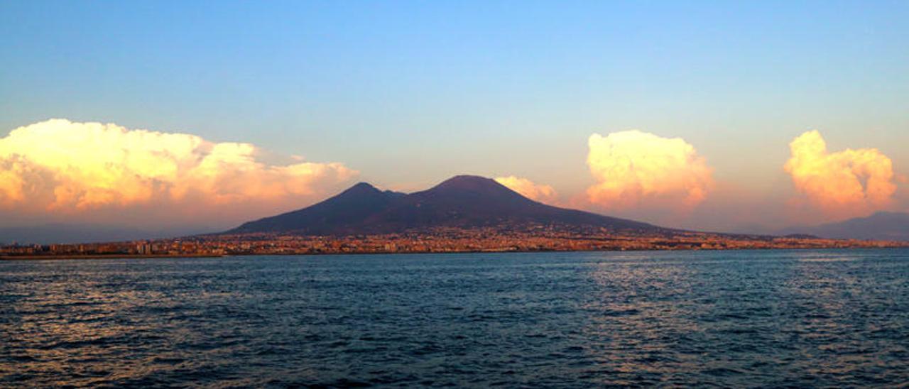 El caos de Nápoles que esconde secretos