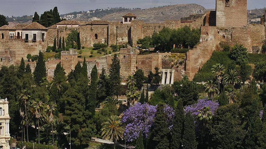 Imagen del conjunto de la Alcazaba y  Gibralfaro.  l.o.