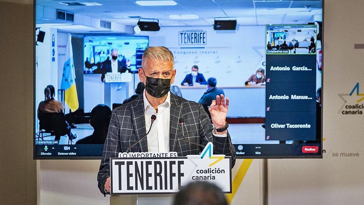 Francisco Linares, en la apertura ayer del V Congreso de Coalición Canaria Tenerife. | | E.D.