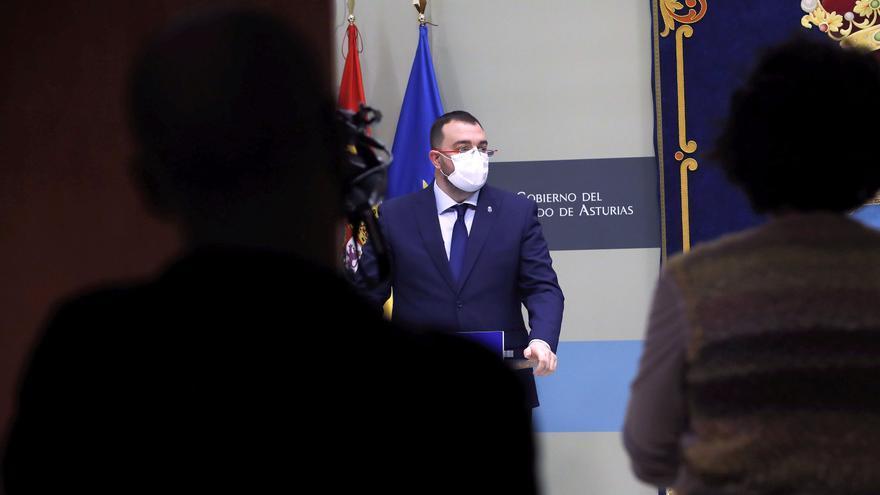 """Adrián Barbón denuncia amenazas por su gestión de la pandemia: """"No voy a admitir ataques hacia mis padres o mis sobrinas"""""""