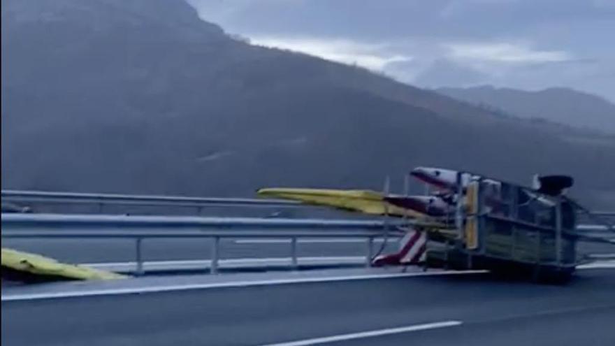 Un accidente de tráfico destroza las embarcaciones K1 y K4 de Marcus Cooper