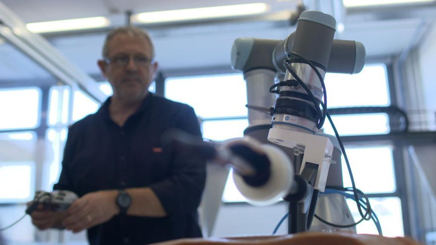 El H. General y la UPV crean un robot para ayudar en operaciones de útero
