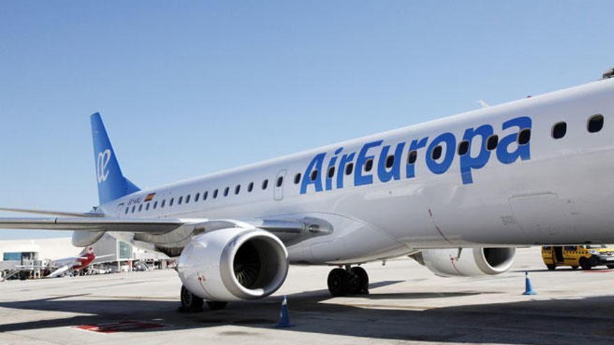 El BOE publica la prórroga de la adjudicación de los vuelos interislas