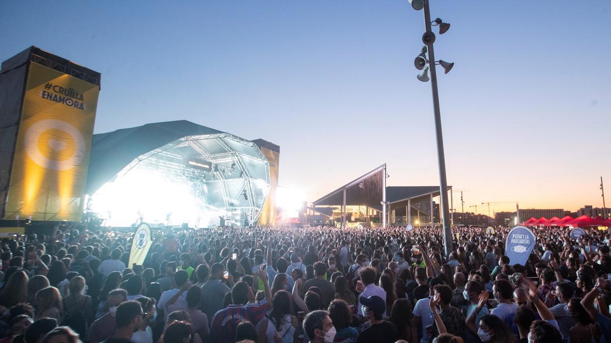 Más 2.200 asistentes a festivales Vida, Canet y Cruïlla se contagiaron covid.