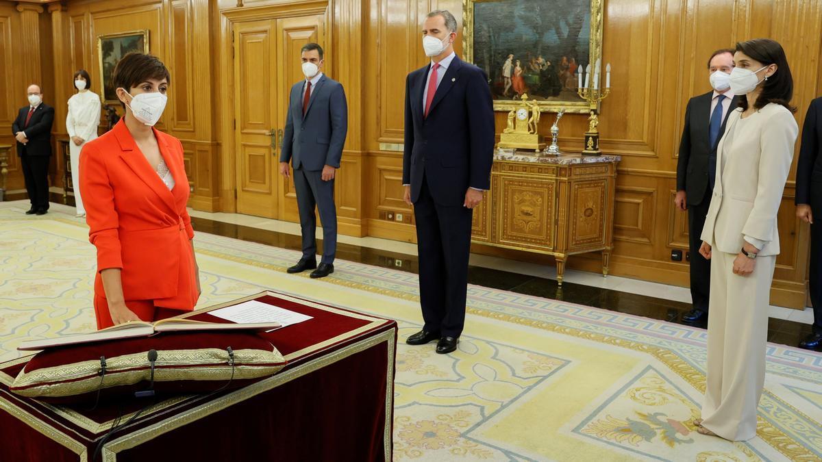 Isabel Rodríguez promete su cargo en la Zarzuela.
