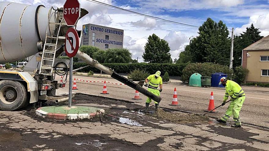 Comienzan los trabajos provisionales en los viales de la carretera N-525
