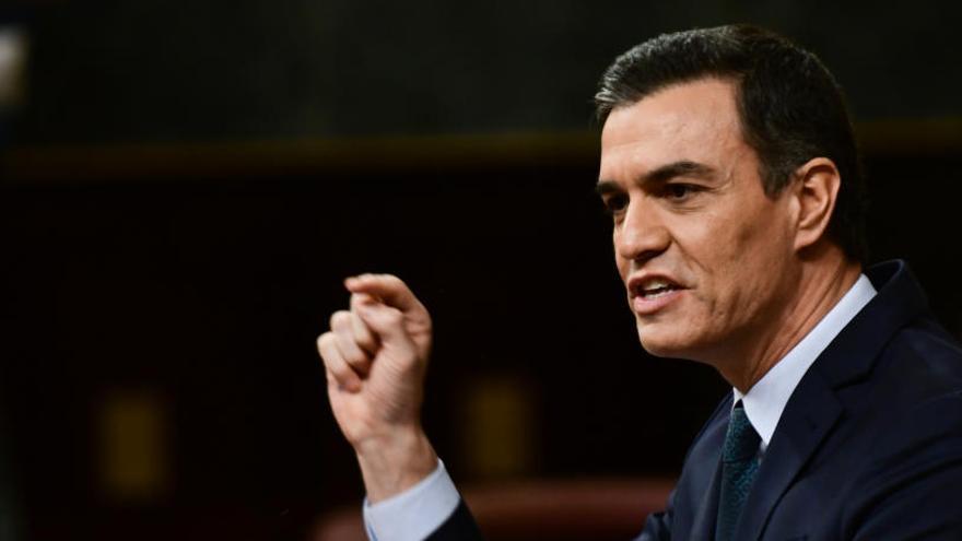 Sánchez defensa la via del «diàleg» amb Catalunya i demana a Casado que faci una «oposició lleial»