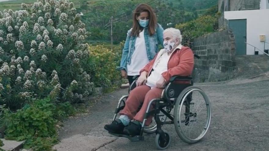 Gáldar crea un servicio para paliar la soledad de los mayores