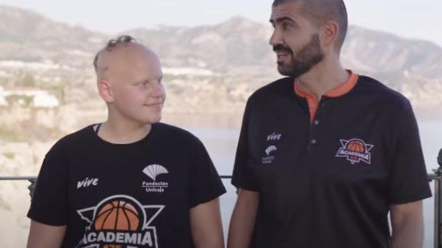 Manuel y Marina de la Academia 675, candidatos al premio Mejor Historia Basket Lover