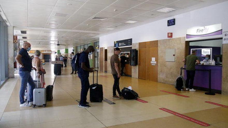 L'aeroport de Girona tanca el primer semestre amb un 89,3% menys de passatgers