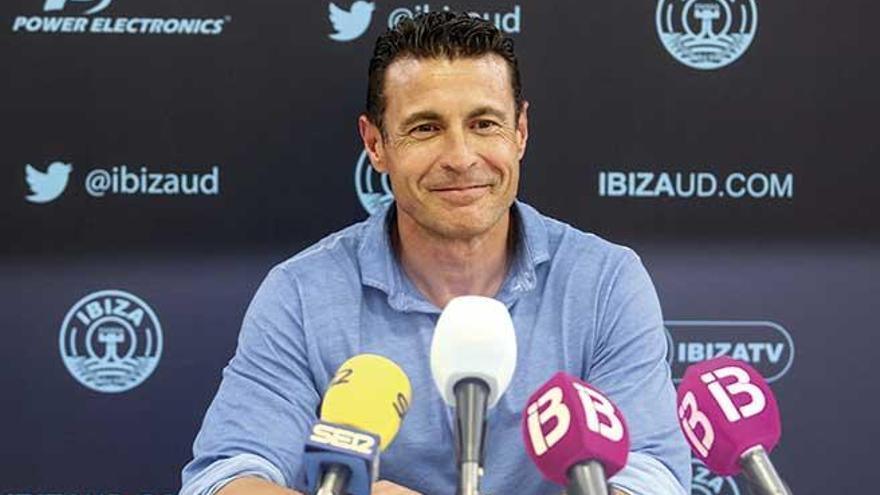 El Ibiza ve difícil cambiar de grupo y jugar con el Atlético Baleares